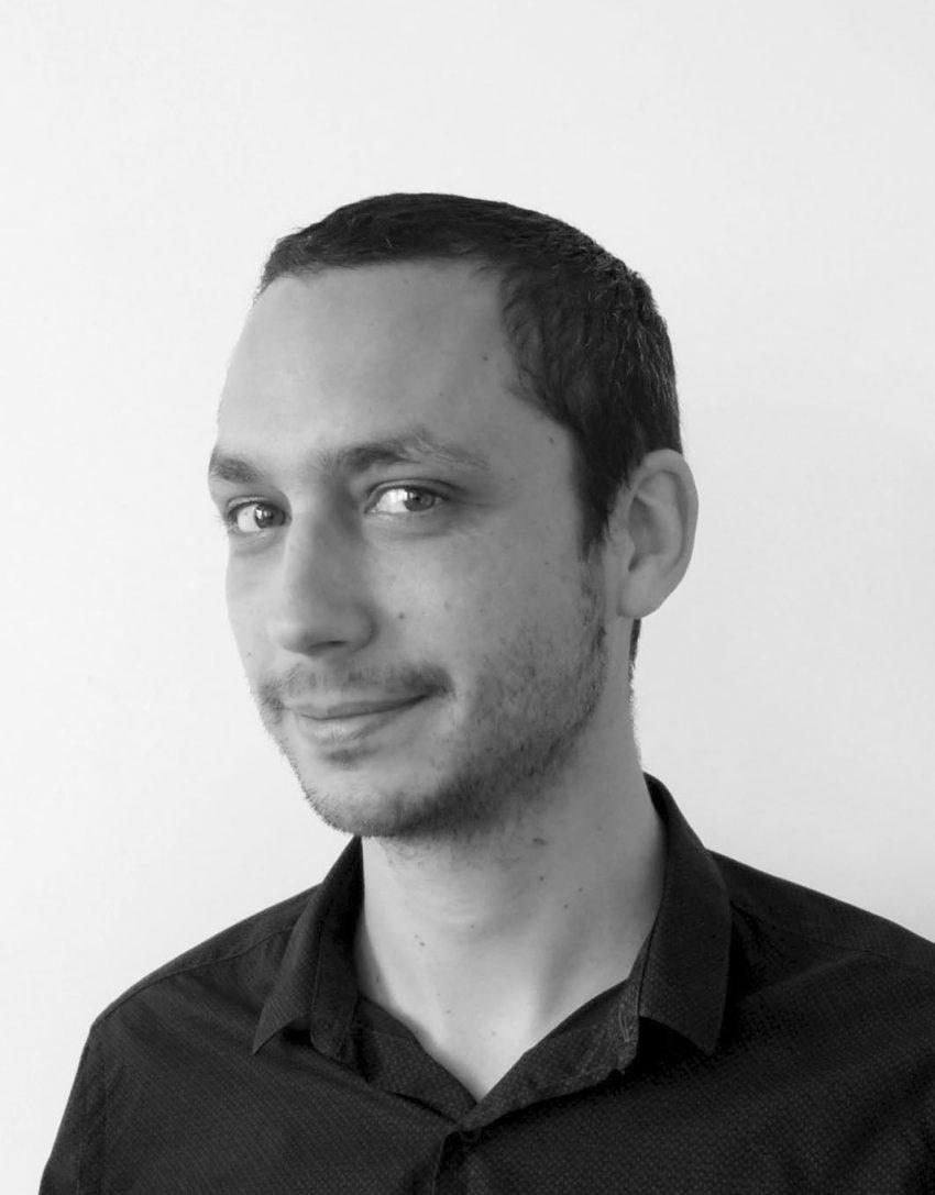 https://lamareauxmots.com/wp-content/uploads/2020/05/ERIC-VEILLE-2-850x1087.jpg